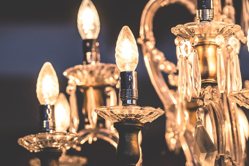 Create an Opulent Look with a Stunning Chandelier